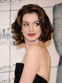 BeleefdKastanjebruin Golvend,Stijl Anne Hathaway Pruik